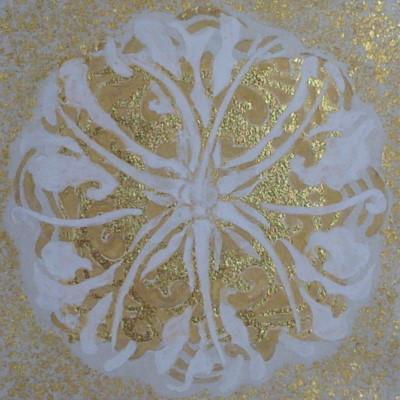 宝相華紋 -栄光花- / Auspicious flower crest -Gloriosa- |  土佐麻紙、金箔、胡粉、金泥、金砂子 にかわ(三千本)  15.4 x 15.4 cm 2010  Japanese paper,gold leaf,gofun,gold powder,nikawa(gelatin)