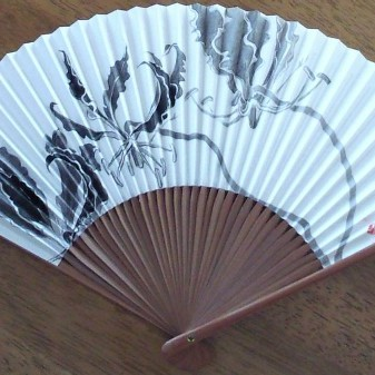 グロリオサ on 扇子/Gloriosa on a fan |  	墨 扇子 22,5 cm x 38cm 2013 sumi (Japanese ink),fan
